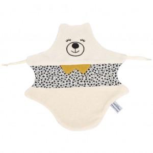 juste-inseparables-doudou-plat-ours-personnalise-cadeau-bebe-noir-et-blanc-ambiance