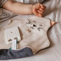 A quel âge peut on donner un doudou à bébé ?