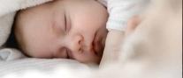 La place du doudou dans le sommeil de bébé ?